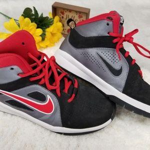 Nike boys shoe